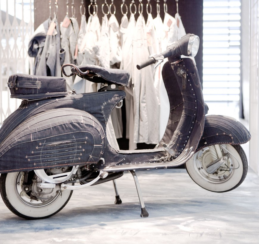 HUGO BOSS Denim Vespa